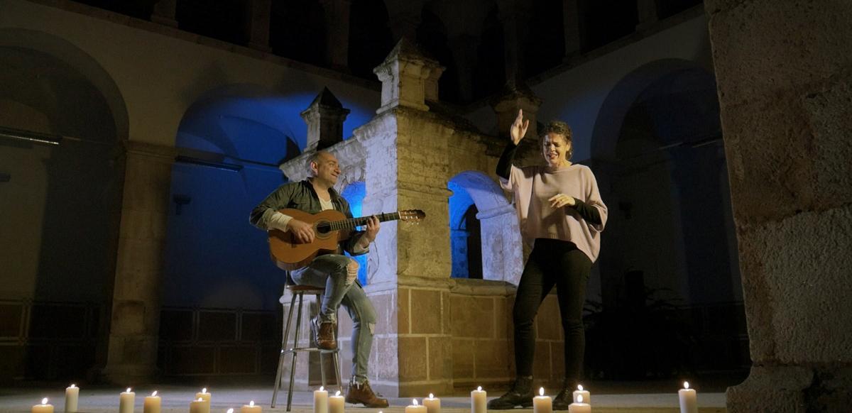 El almendralejense Pedro Macarro y Cira Fernández crean un grupo musical