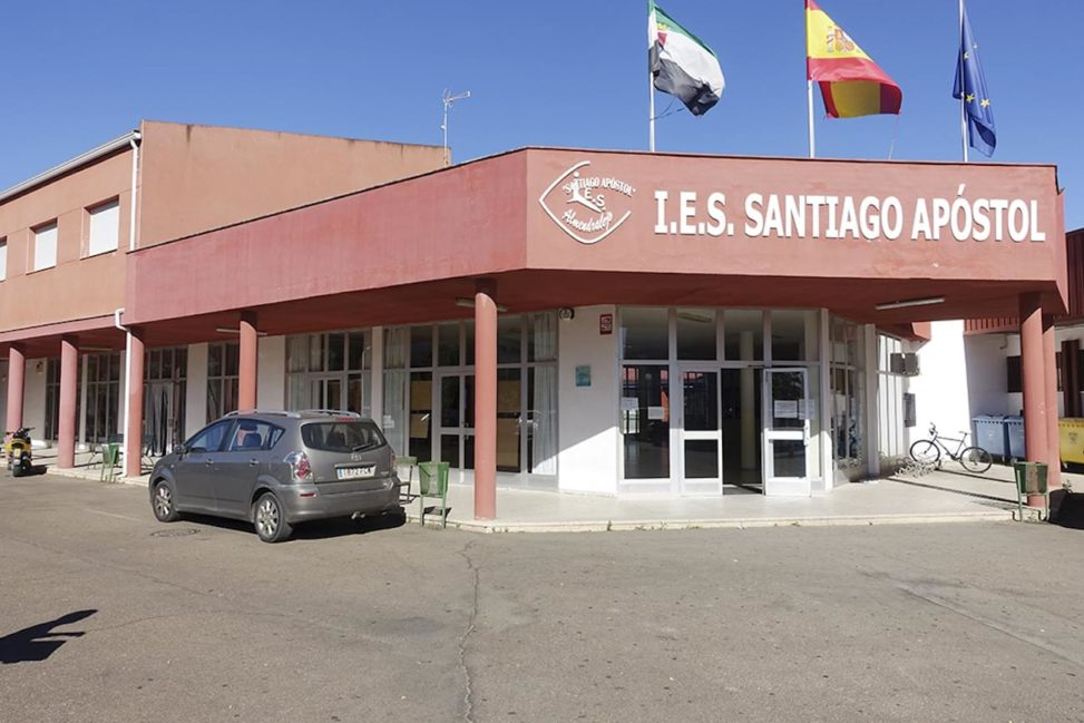 Estudiantes del Santiago Apóstol participarán en un taller de autoempleo