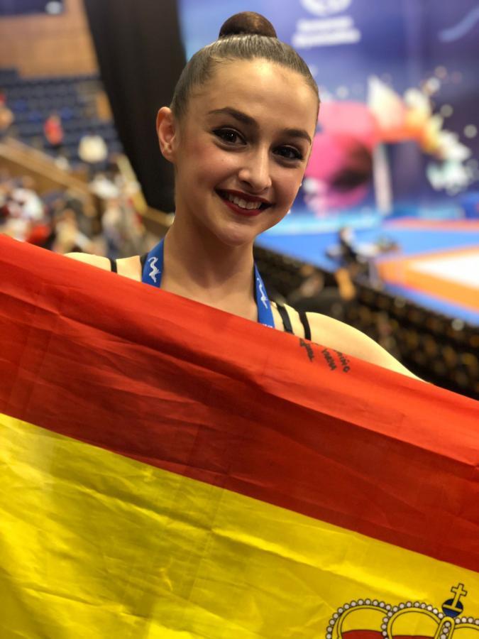 Irene Martínez, finalista con la selección española junior de conjuntos en el Europeo
