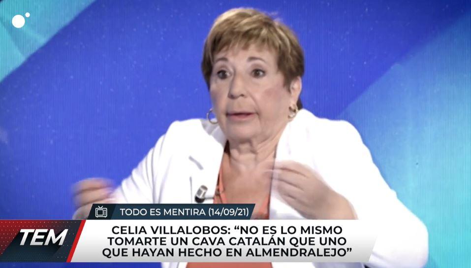 """El alcalde manda cava a Celia Villalobos para que """"así pueda opinar con un criterio formado"""""""